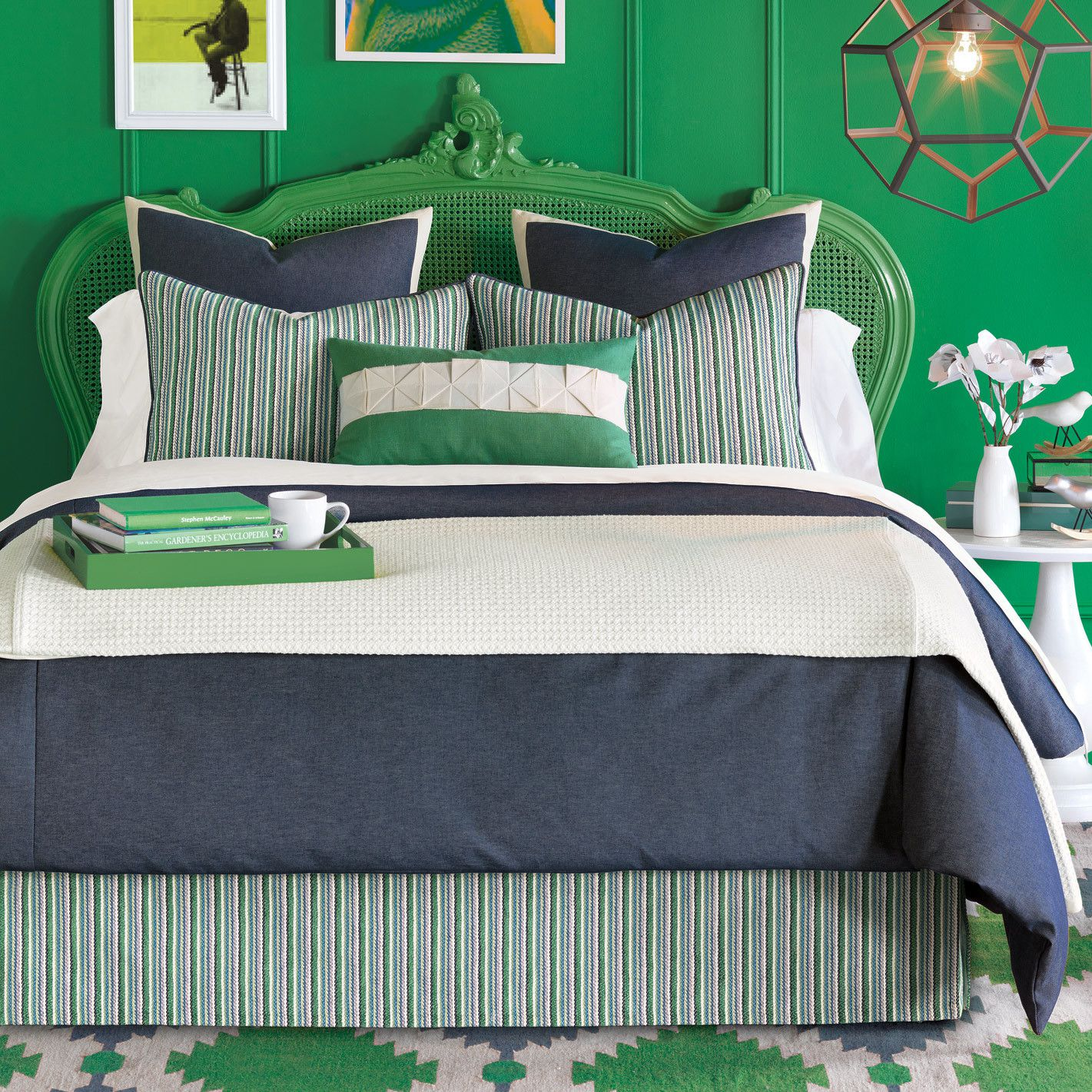 Superbe Complete Traditional Green Bed With Minimalist Teen Boy Bedding Inside  Green Themed Bedroom Using White Side