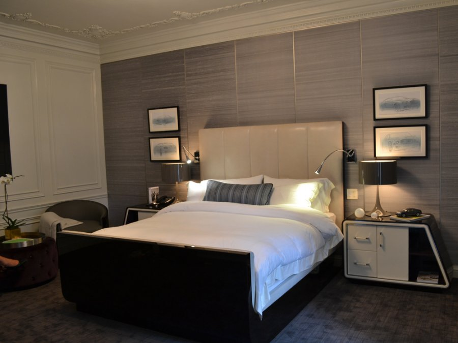 Decorate Modern Bedroom with Wide Bed and Nightstands beside Grey Accent Wall Ideas