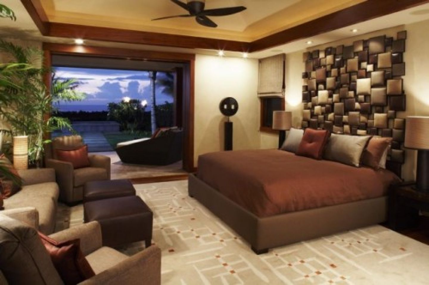 Fill Comfy Bedroom using Amazing Home Design Ideas with Wide Bed and Unusual Wall Detail