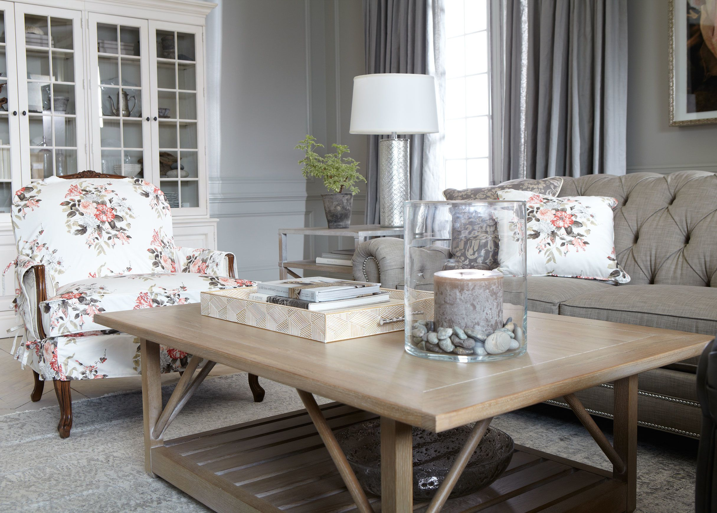 Tips to opt for large coffee table which look the best for Elegant extra large coffee tables