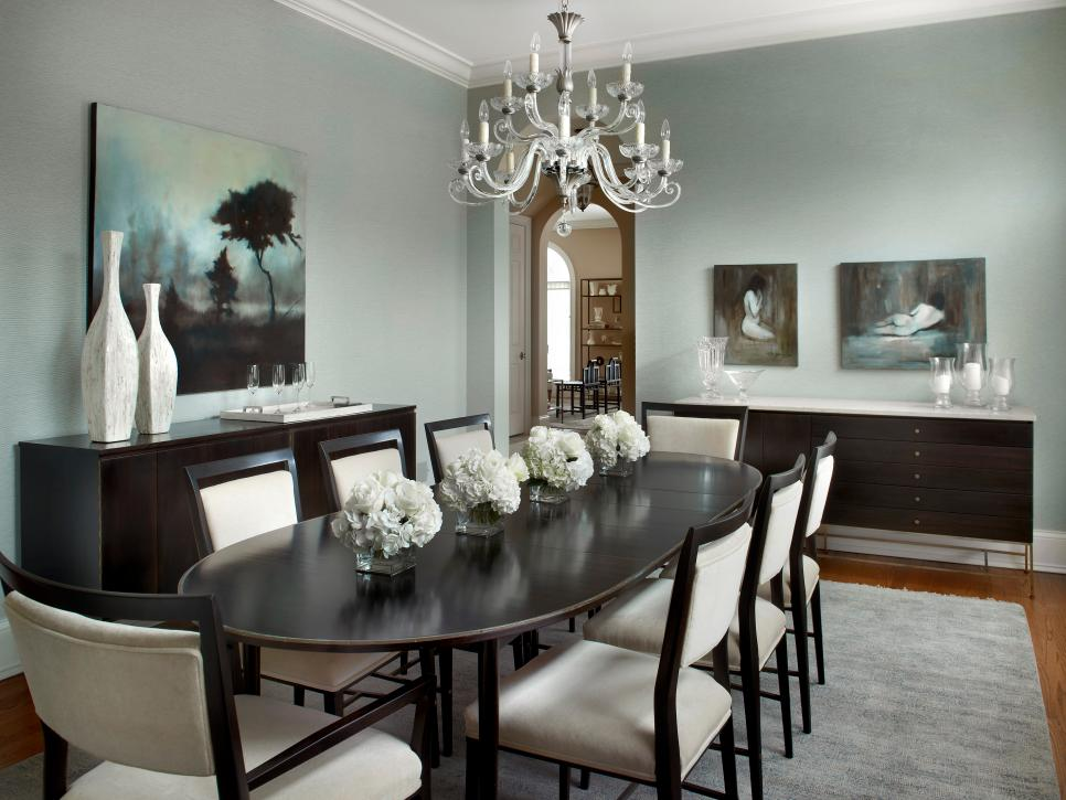 Frantic Interior Dining Room Decor with Black Table and Chair