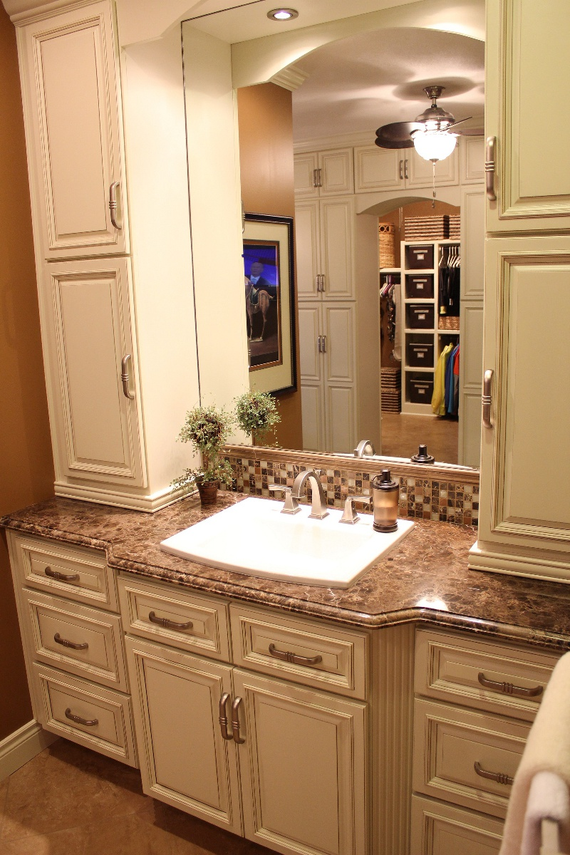 Gorgeous Bathroom Completed with Old Fashioned Bathroom Vanity Ideas and White Sink under Wide Wall Mirror