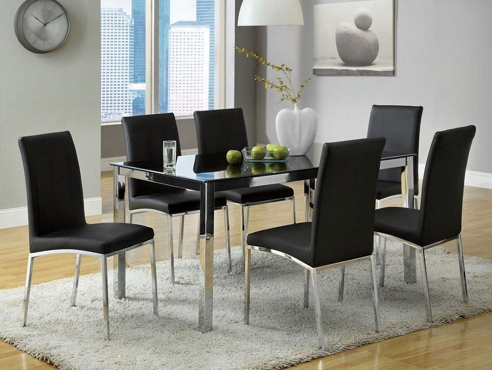 Grey Carpet Rug Placed under Modern Black Chairs and Stylish Glass Top Dining Table