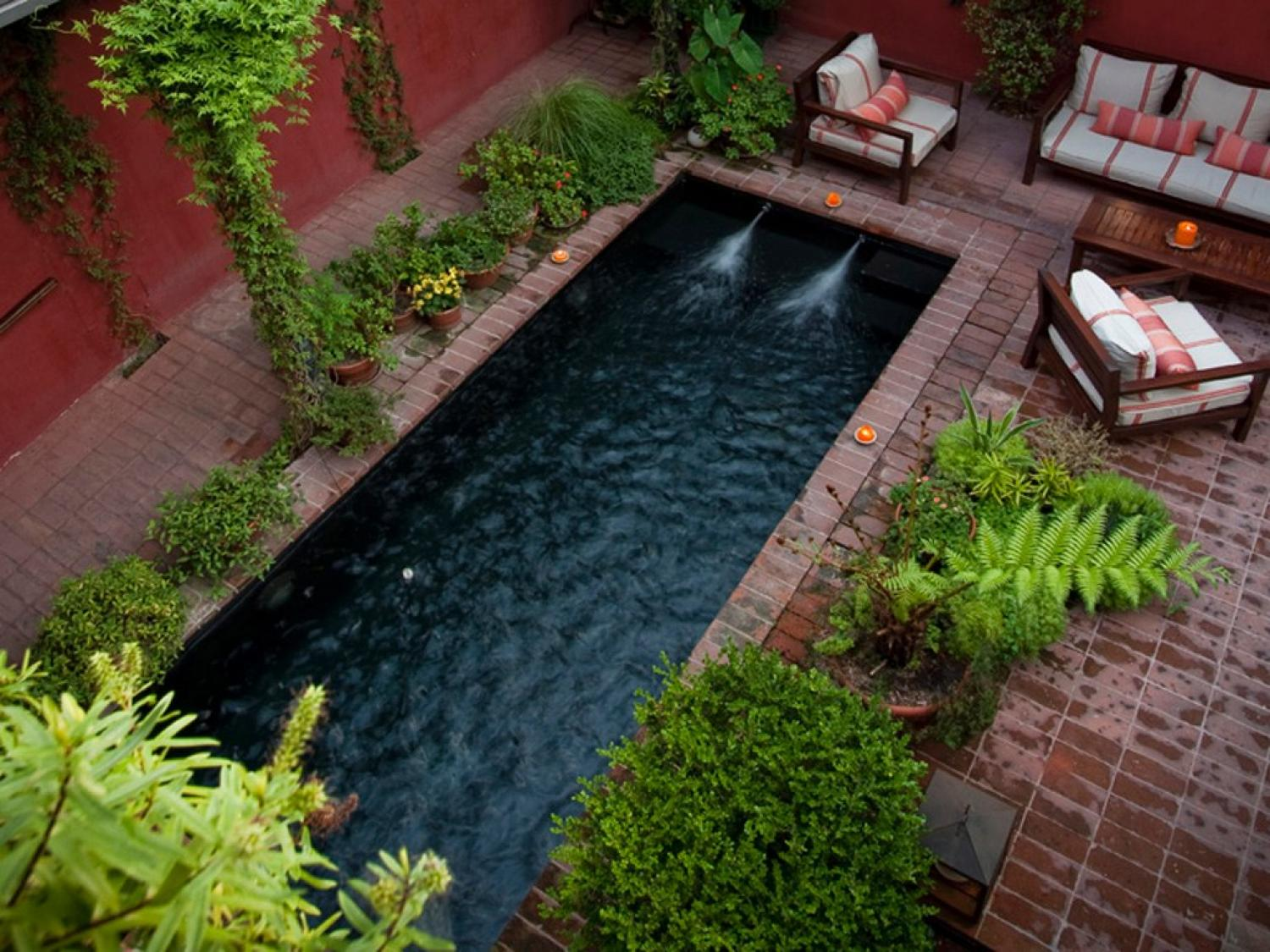 Some helpful small garden ideas for the diy project for for Pool garden ideas