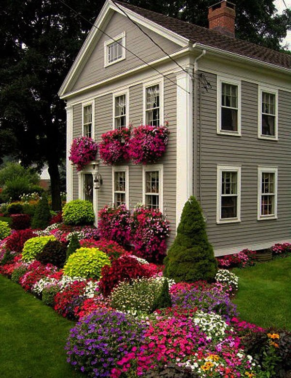 Luxurious Front Yard Landscape Decor Using Colorful Flowers and Grasses
