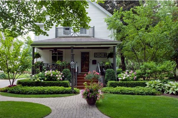 Marvelous Front Yard Decor With Green Themes From Plants and Grasses