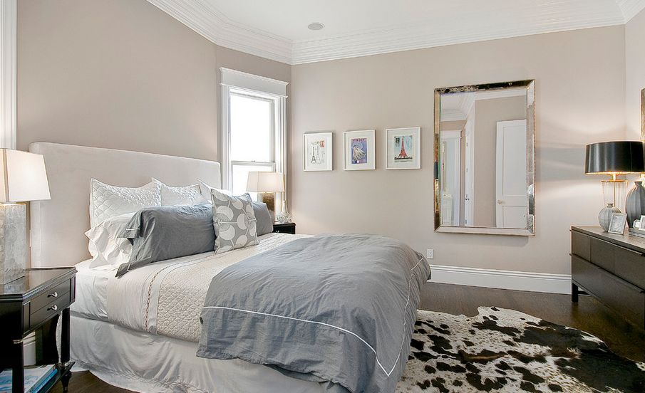 Bedroom Color Combination Ideas Part - 21: Pure White Color With Bright Glass Window And Nice Rug
