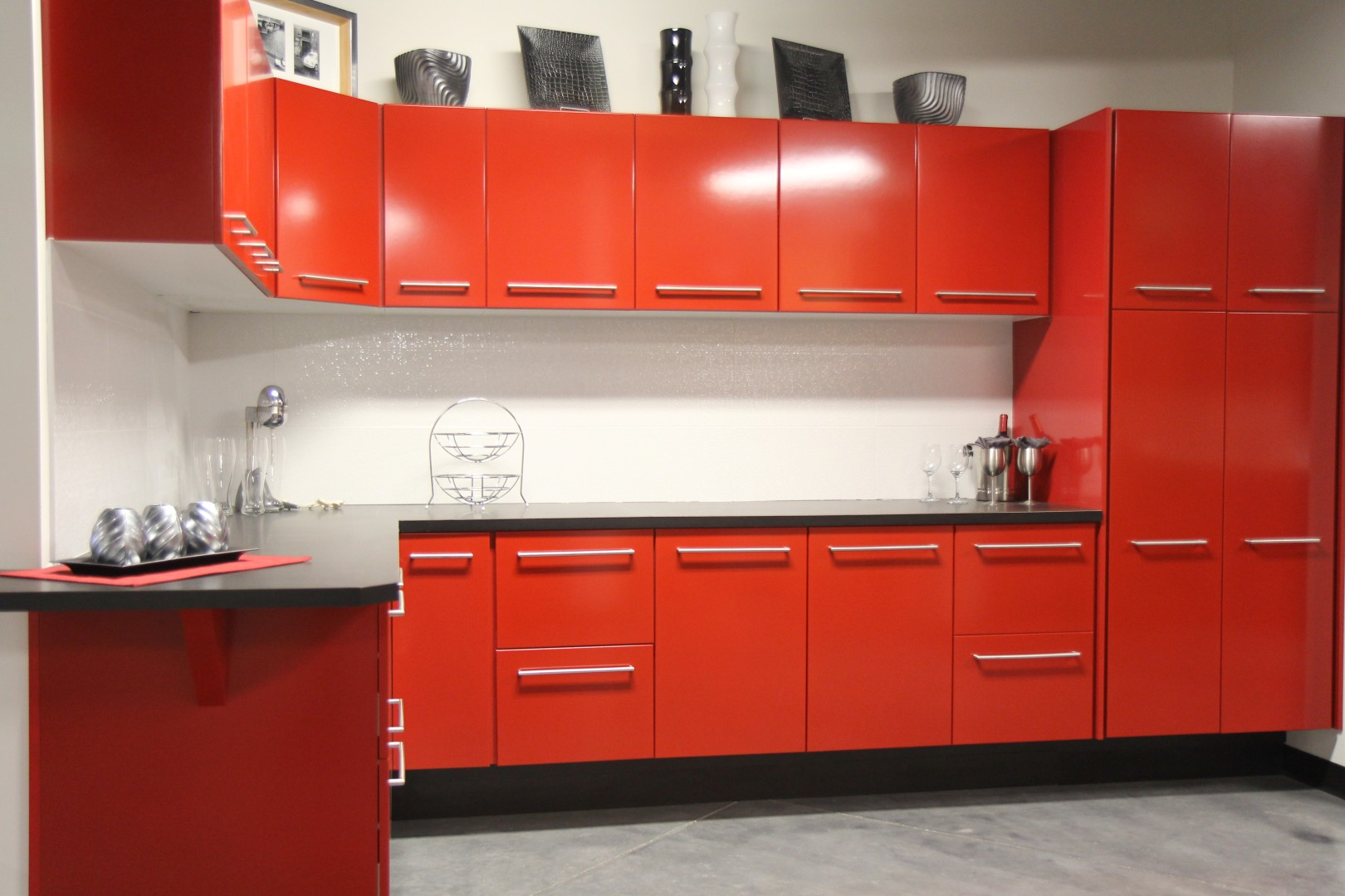 Radiant Interior Kitchen Using Red Cabinet With Pleasant Countertop Decor