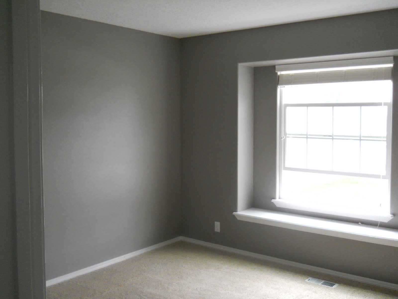 Grey paint colors for modern and minimalist home midcityeast for Minimalist wall