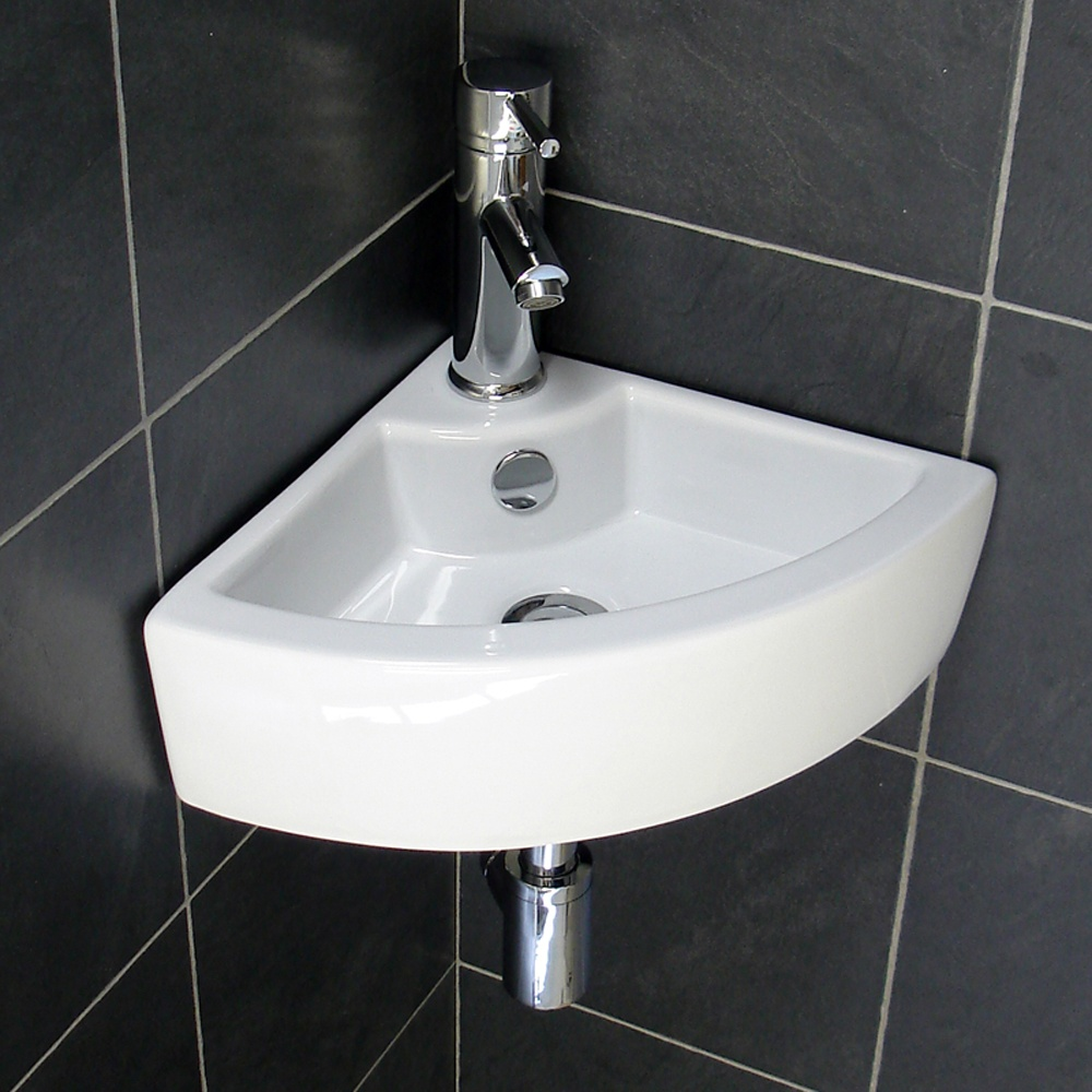 Tips for selecting the right small bathroom sinks for a for Tiny bathroom sink