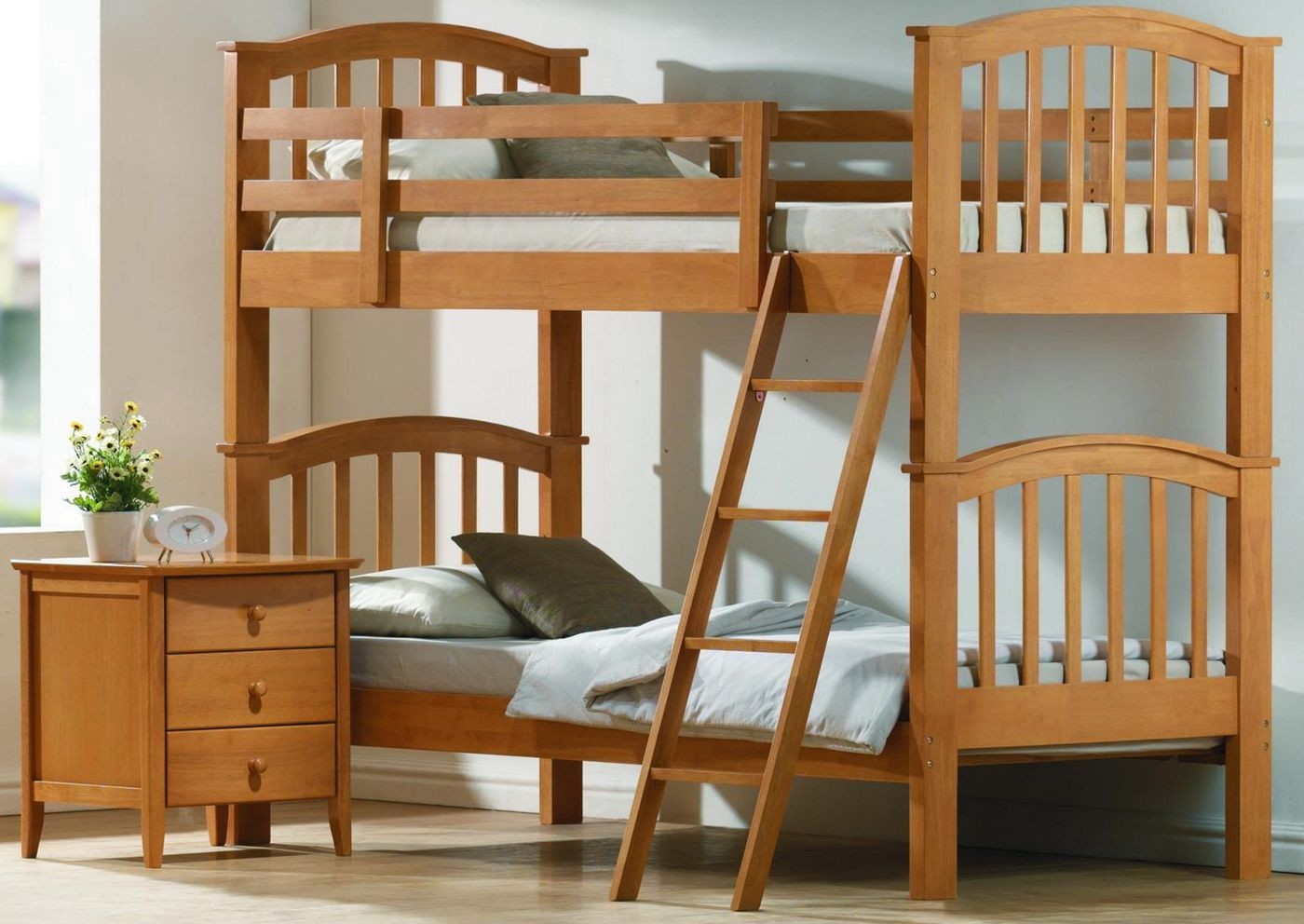Various designs of wooden bunk beds to place in the for Simple wooden bed designs pictures