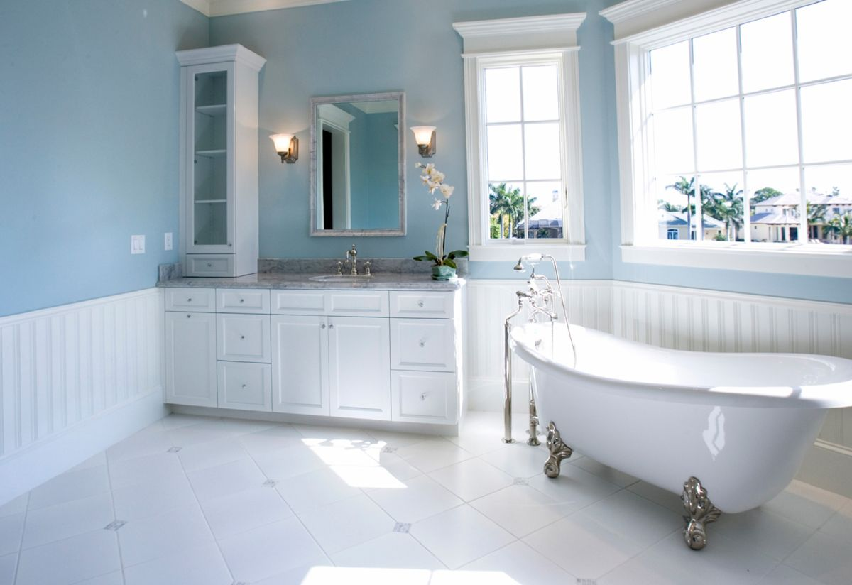 Traditional Bathroom Color Schemes using Grey Painted Wall near Classic Vanity and White Bathtub