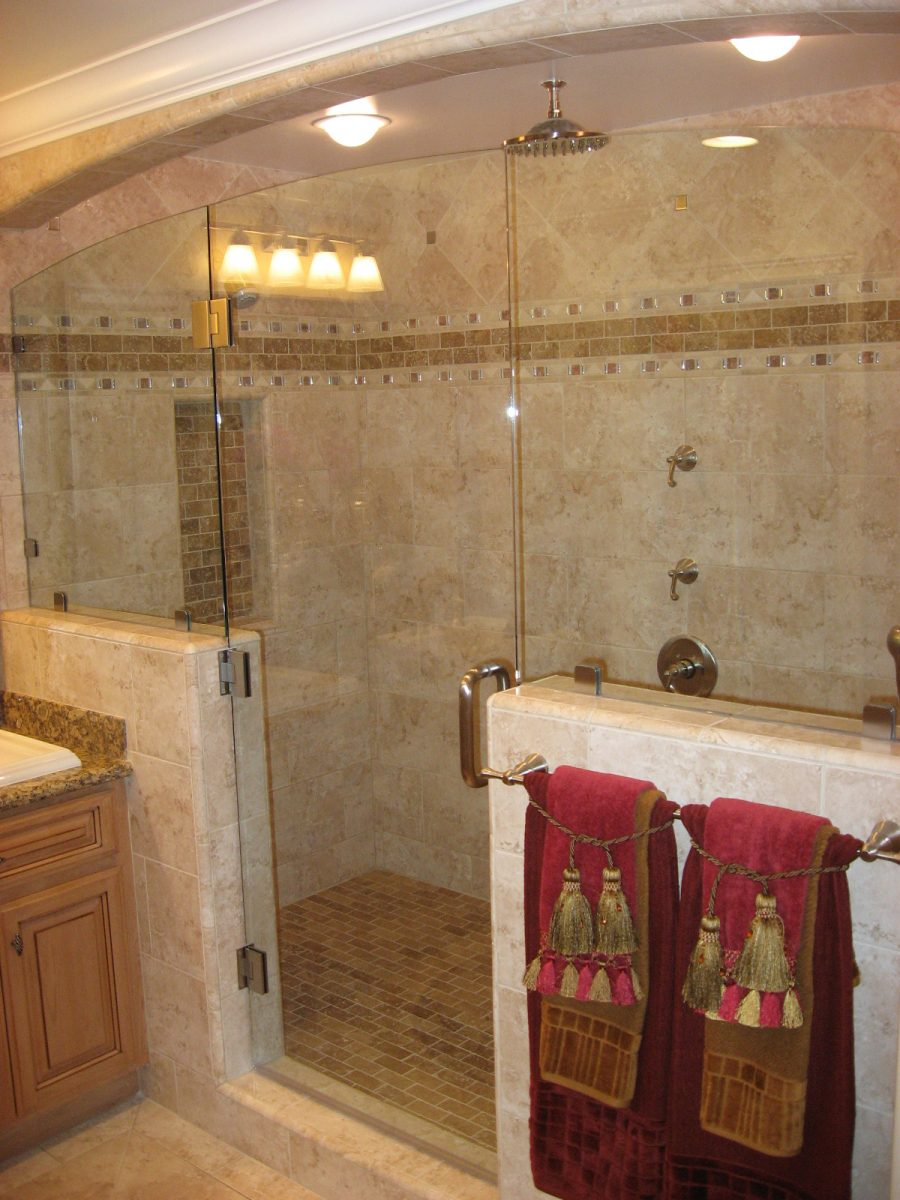 Ideas for shower tile designs midcityeast for Box doccia in muratura foto