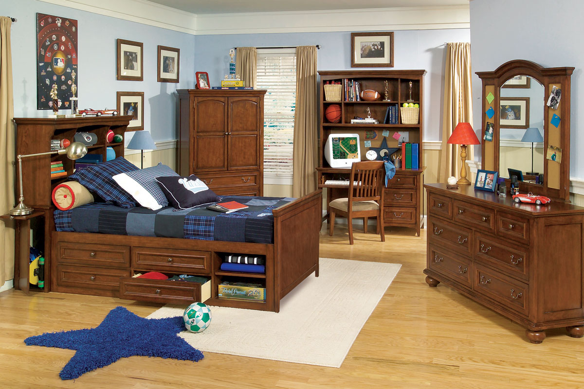 Wooden Boys Bedroom Furniture Used in Traditional Room with Blue Bedding and Star Carpet Rug