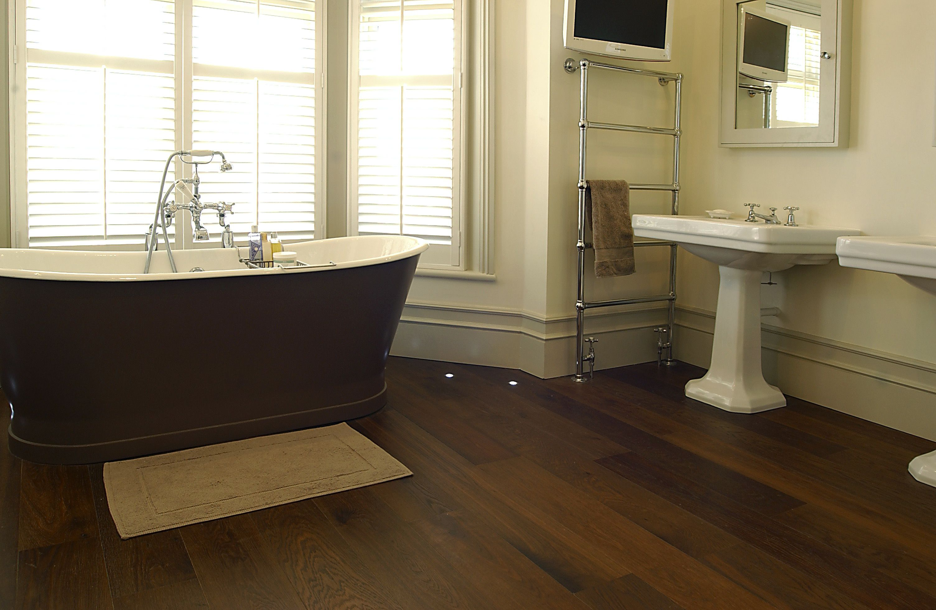 Wooden Flooring Option With Large Bathroom Design