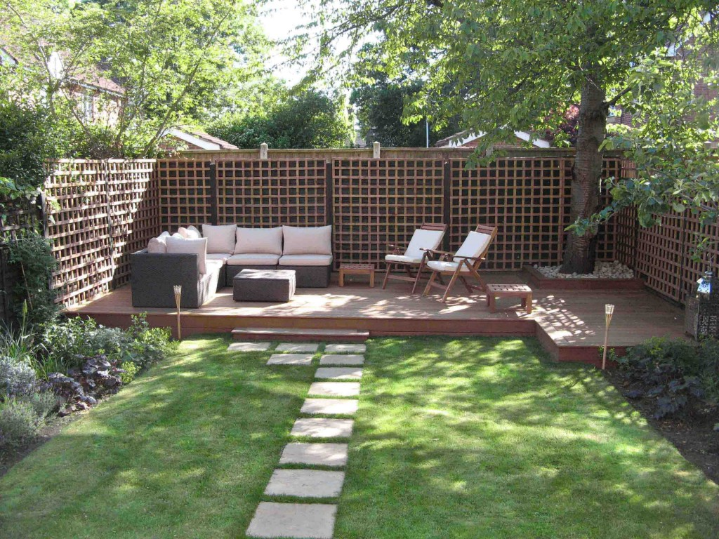 Amusing Design Of The Backyard Design Ideas With Green Grass Ideas Added With Brown Wooden Fences Ideas