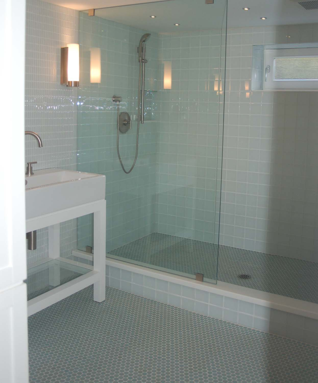 Glass Tiles In Bathroom: What The Homeowners Need To Know About The Proper