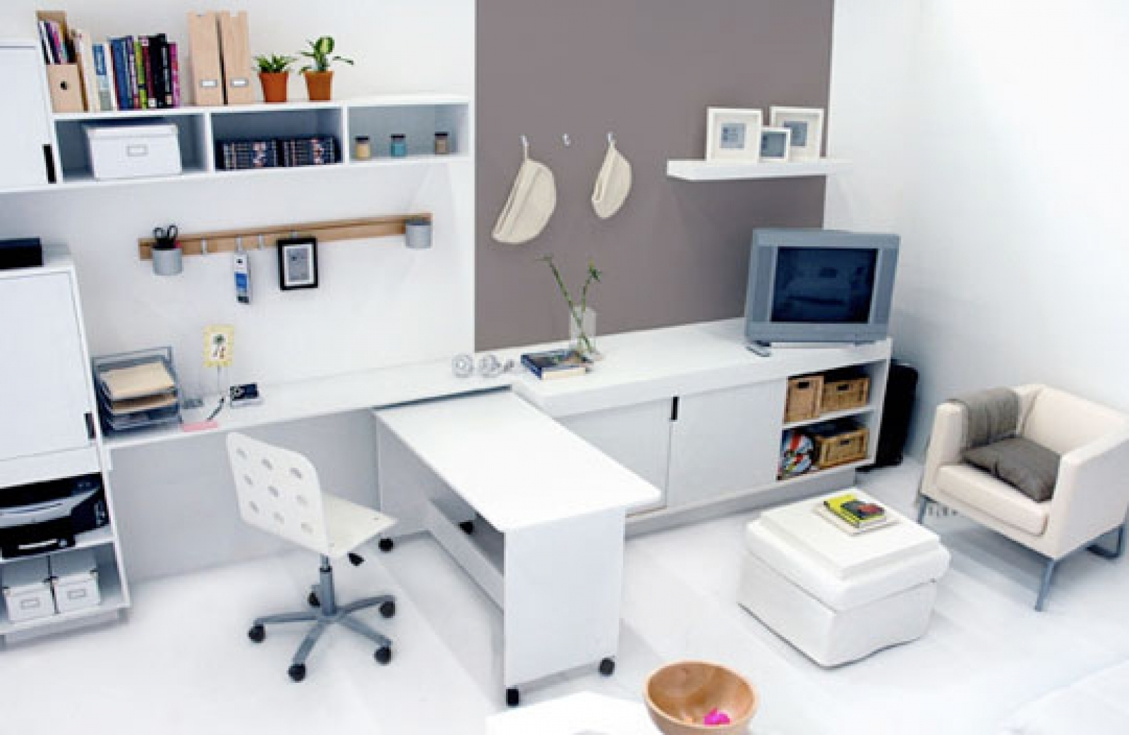 Simple ideas for at home office to boost your productivity for Office design productivity research