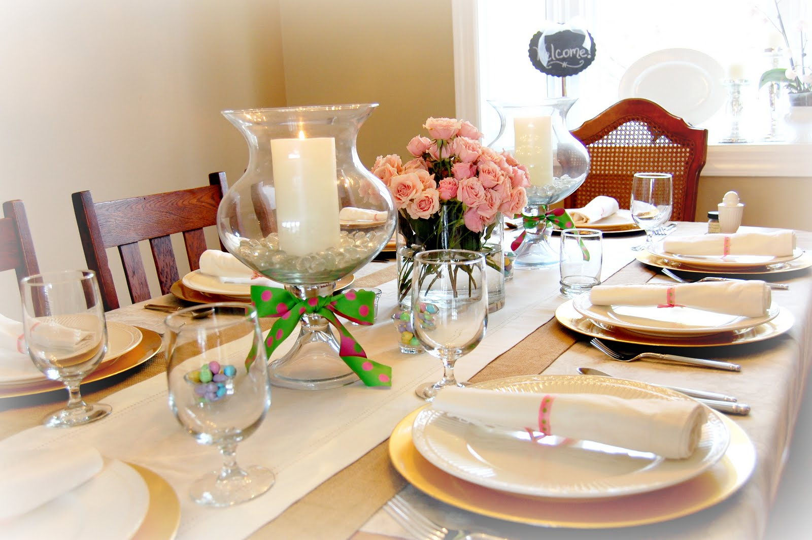 How to make dining table décor for round shape