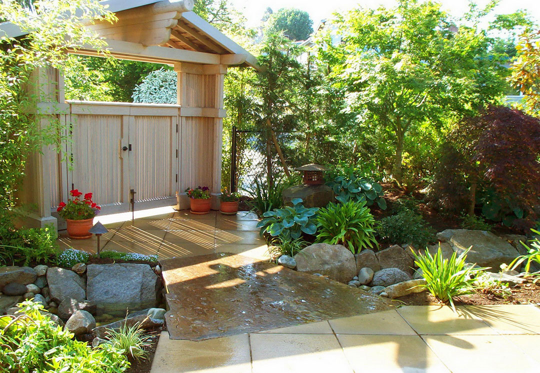 Awful Japanese Rock Garden Design Ideas With LushWooden Fence