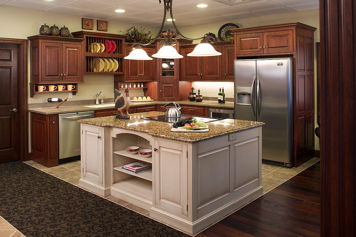 Cheap Interior For Open Kitchen Design Using Cabinet and Chandelier