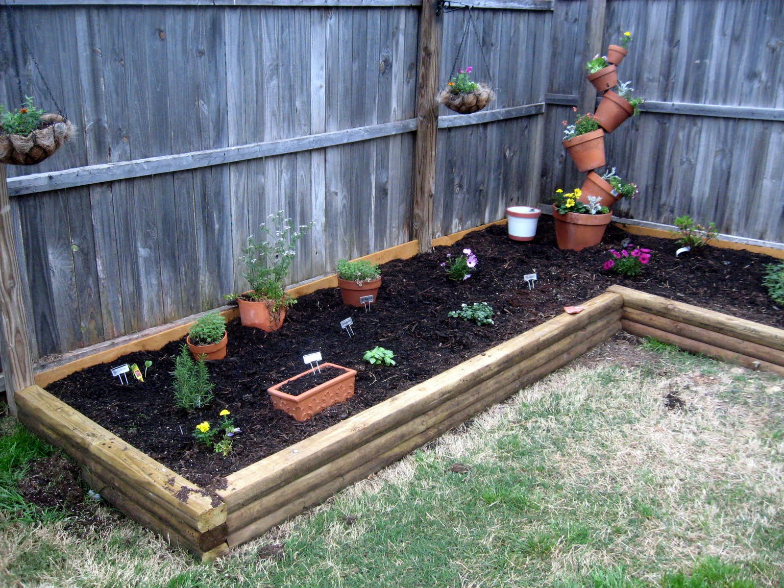 Build a better backyard easy diy outdoor projects for Homemade garden decorations