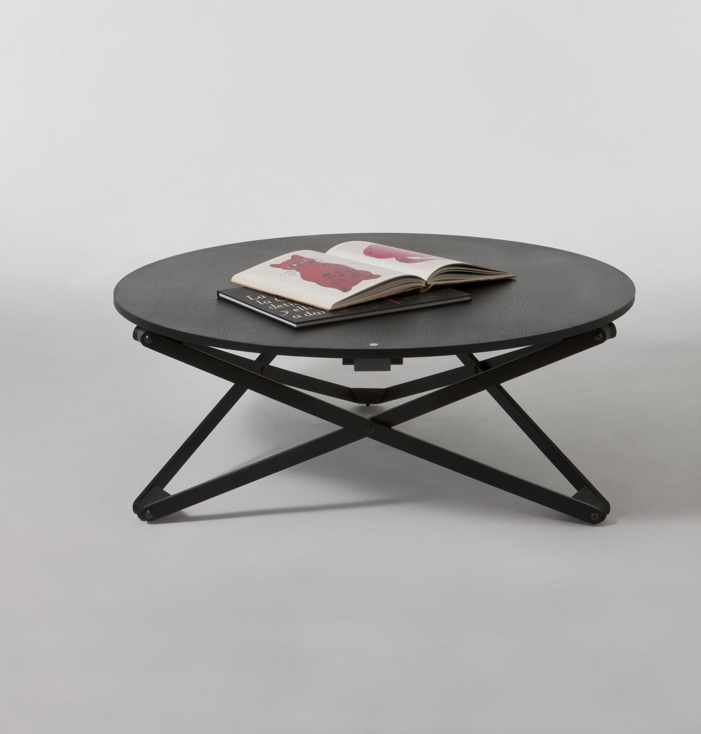 Fantastic Design Of The Rounded Table Of The Coffe Ideas With Black Wooden Legs Ideas On The White Floor Ideas