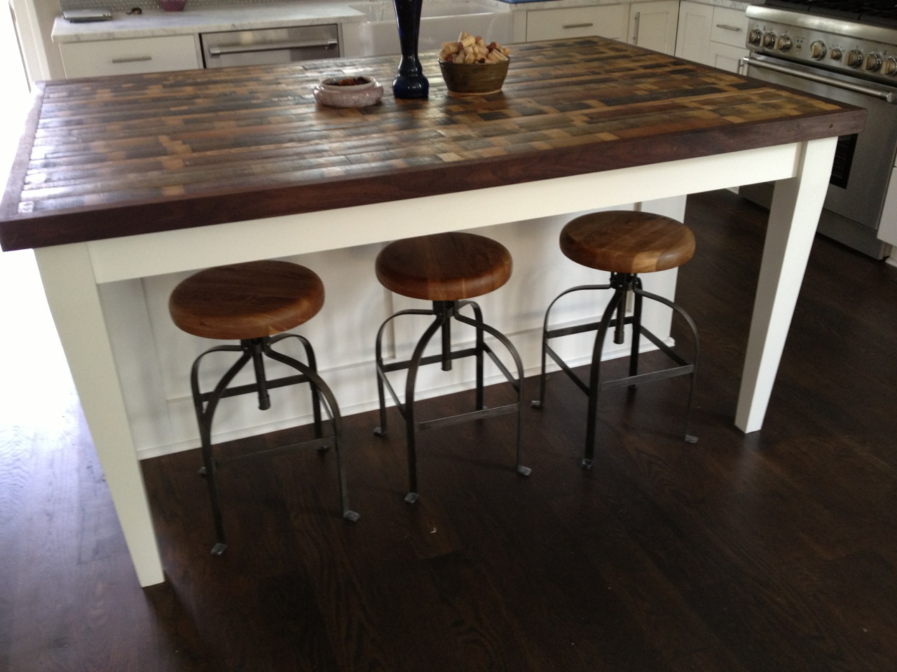 Frantic Bar Table Using Rustic Wood Kitchen Countertop and Seat