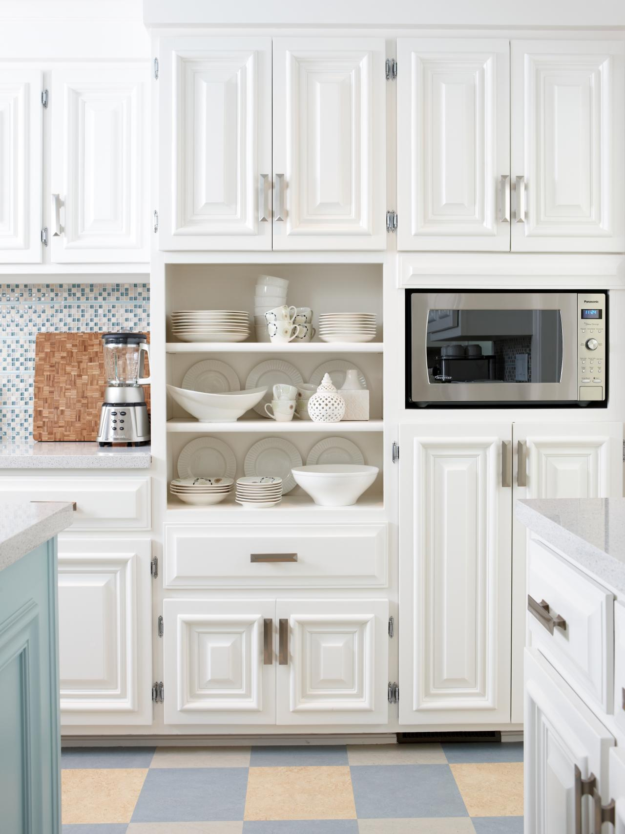 The perfect kitchens with white cabinets for you midcityeast for Pictures of kitchen cupboards