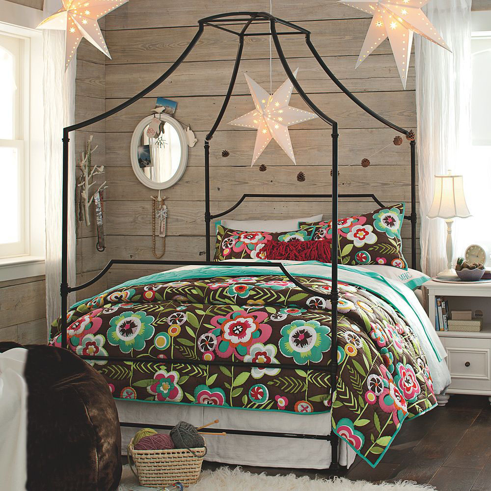 Lovely Design Of The Canopy Bed With Black Bones Added With Floral Motives Bed Cover Ideas With White Rugs