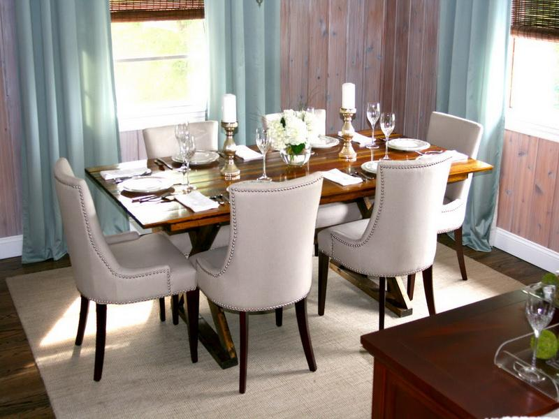 Simple ideas on the dining room table decor midcityeast for Ideas to decorate a dining room table