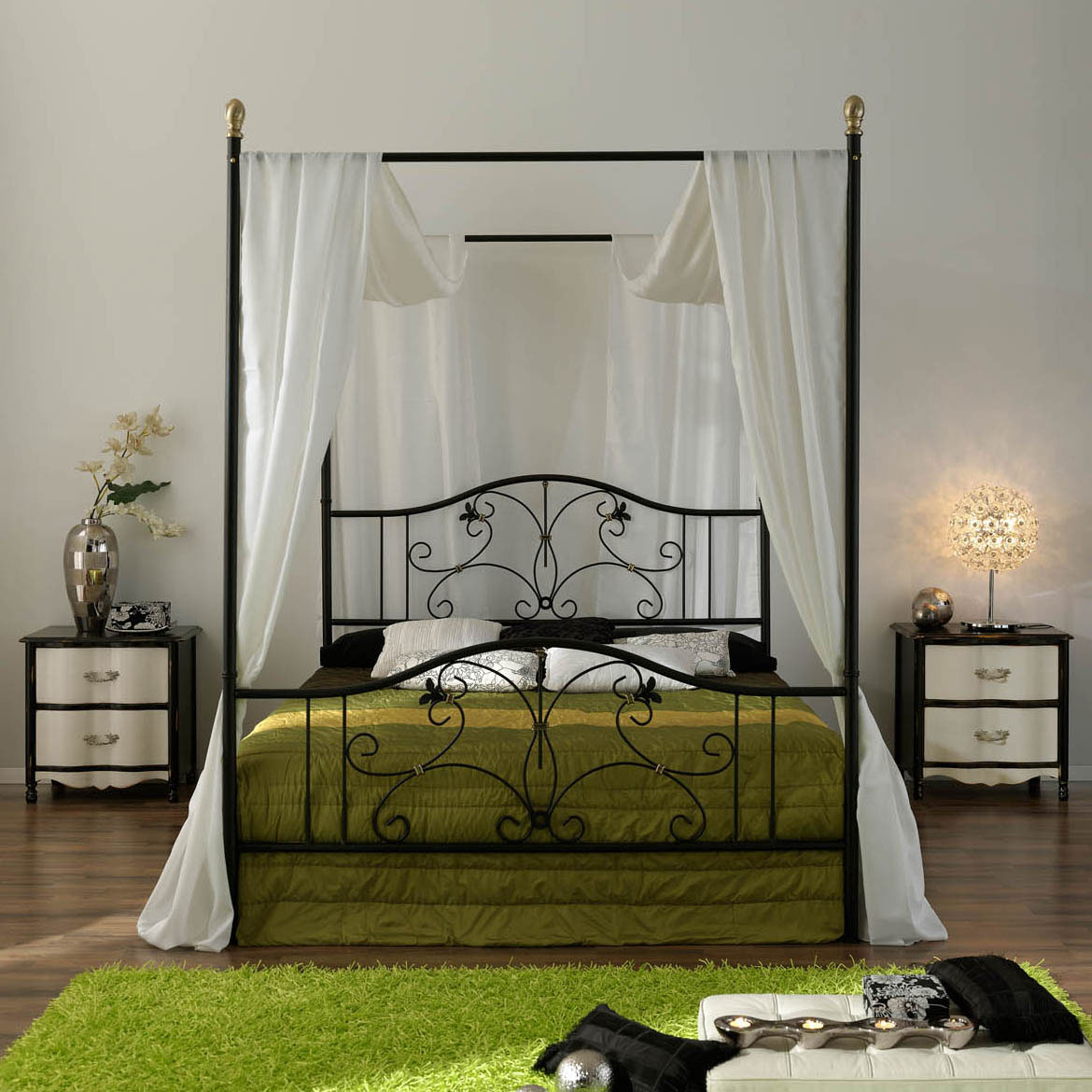 Stunning Design Of The Canopy Bed With Green Bed And Green Rugs Ideas Added With White Curtain Ideas