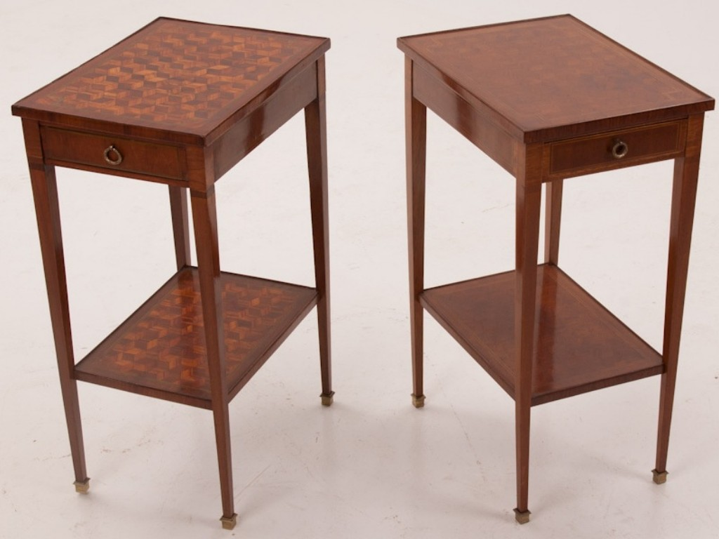 Small side table ideas to decorate your modern living room for Small wood end table