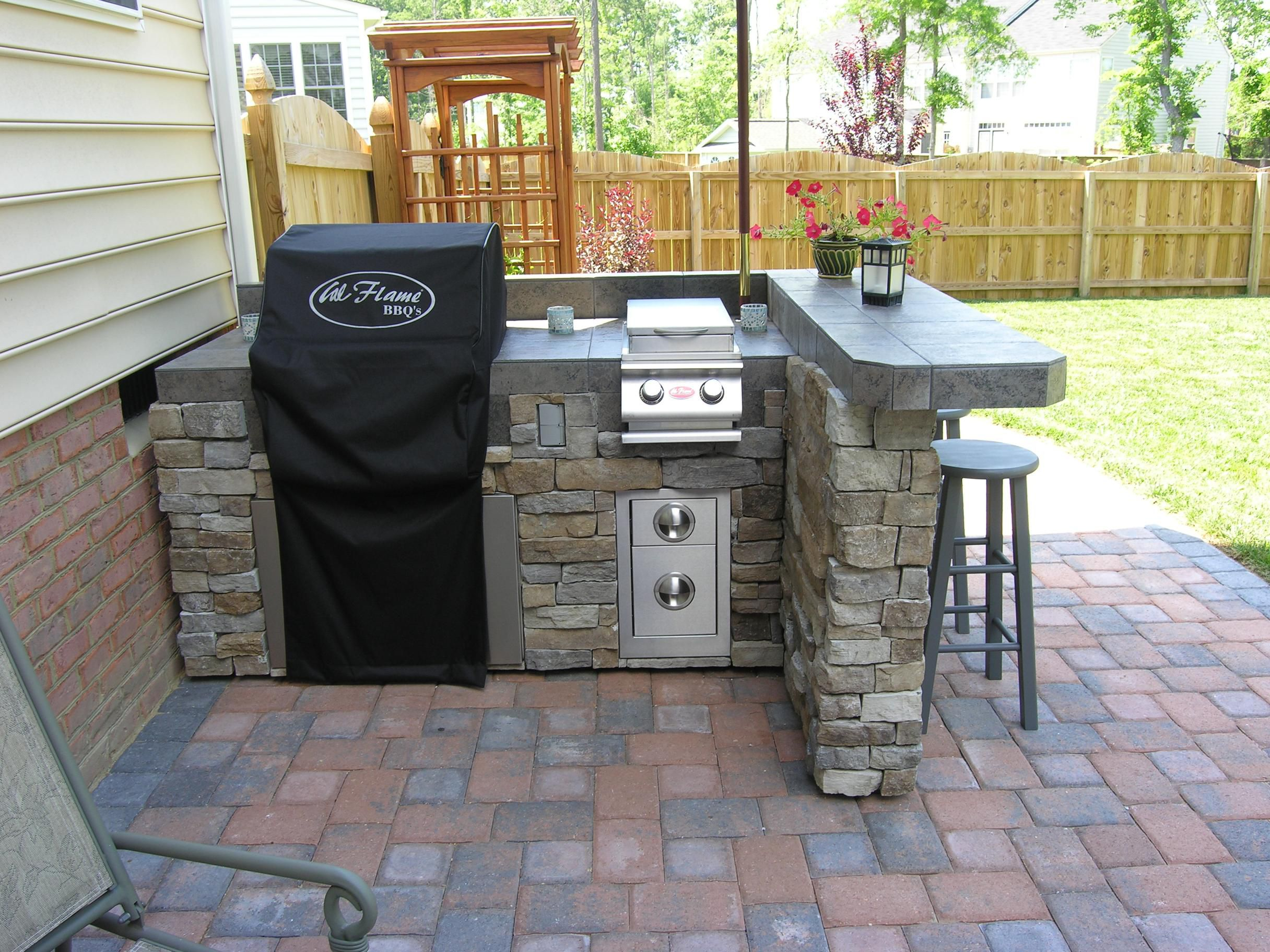 Stylized Your Outdoor Bar with Outdoor Bar Ideas MidCityEast