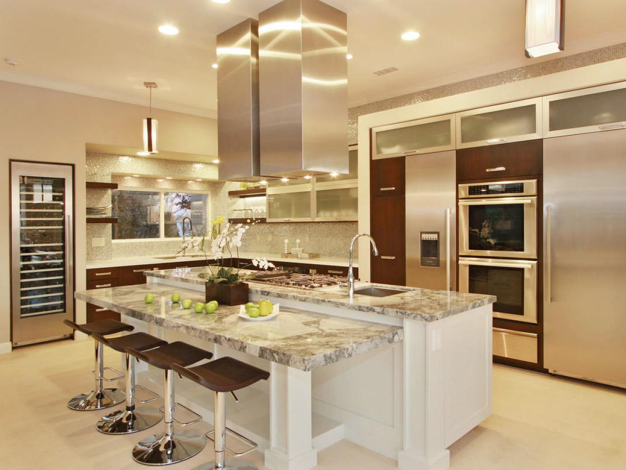 3 best kitchen layout ideas for house with small space for Beautiful kitchen remodels