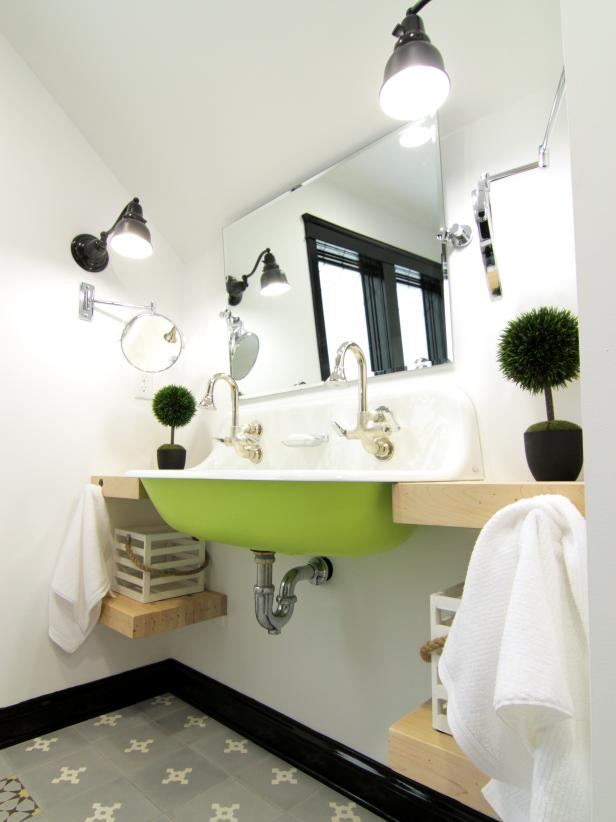 Exceptionnel Adorable Interior Bathroom Ceiling Paint Also Dark Wall Lamp Plus Simple  Sink