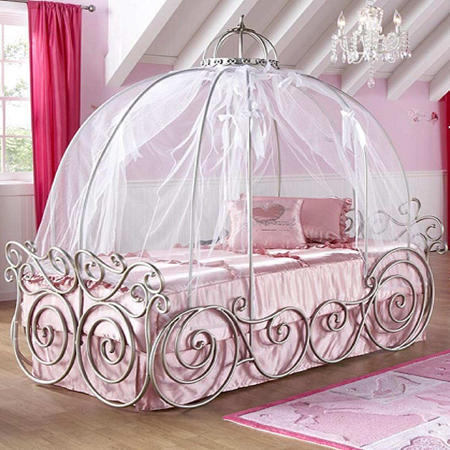 Girls bed canopy ideas - Amazing Design Of The Princess Canopy Bed With White Silk Curtain Added With Iron Framework Of
