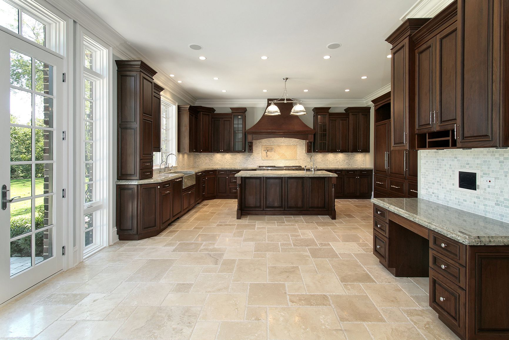 Ordinaire Amazing Kitchen Decortaion Ideas Using Best Tile Floring Ideas Also Wooden  Cabinet. Flooring With Parquette
