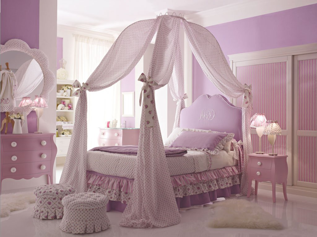 Girls bed canopy ideas - Amusing Design Of The Princess Canopy Bed With Purple Curtain Added With Purple Bed And Purple