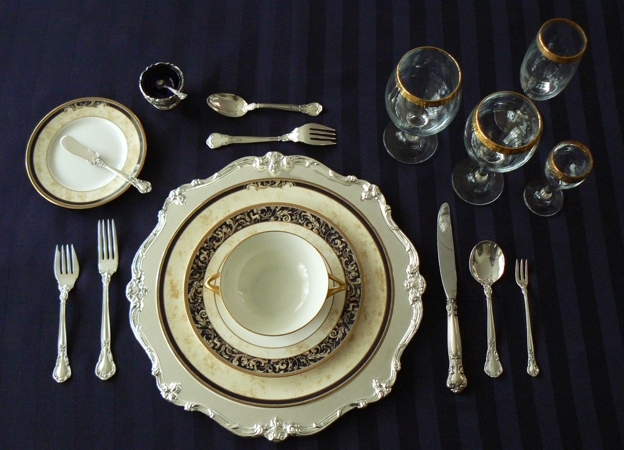 Amusing Design Of The Table Place Setting With Black Napkins Added With Silver Spoon And Plate And Glass Ideas