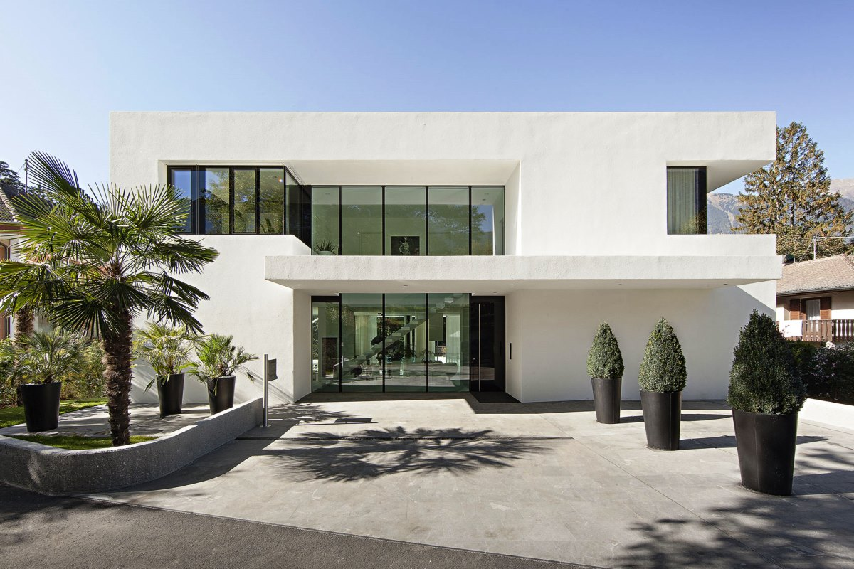 Merveilleux Astonishing Design Of The Exterior Home Design Styles With White Wall Added  With Grey Floor Ideas