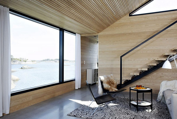 Dainty Interior Summer House Apartments Using Dark Ladder and Chairs