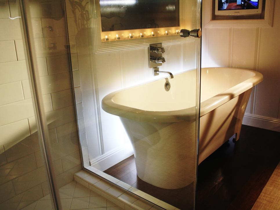 Dainty Soaking Tub  With Best Lighting Fixture and Stainless Steel Faucet