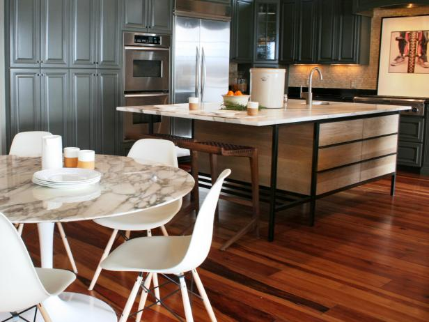 Delicate Kitchen Design Using Round Marble Table and Nice Chairs