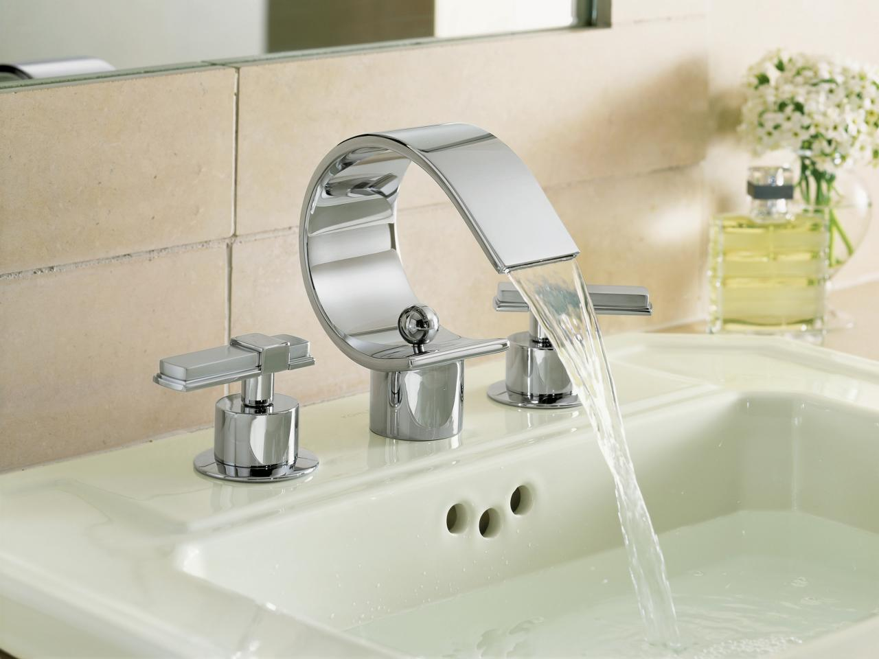 Fancy Sink Using Stainless Steel Curve Modern Bathroom Faucets Design