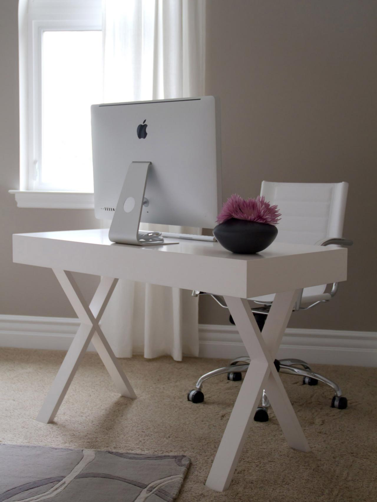 Decorating A Modern House with A White Modern Desk For ... - photo#35