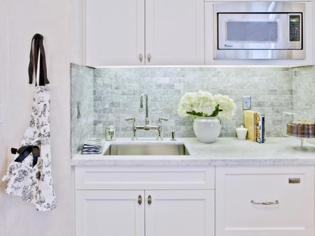 Fantastic Kitchen Decoration Ideas Using White Cabinet and Wall Tile