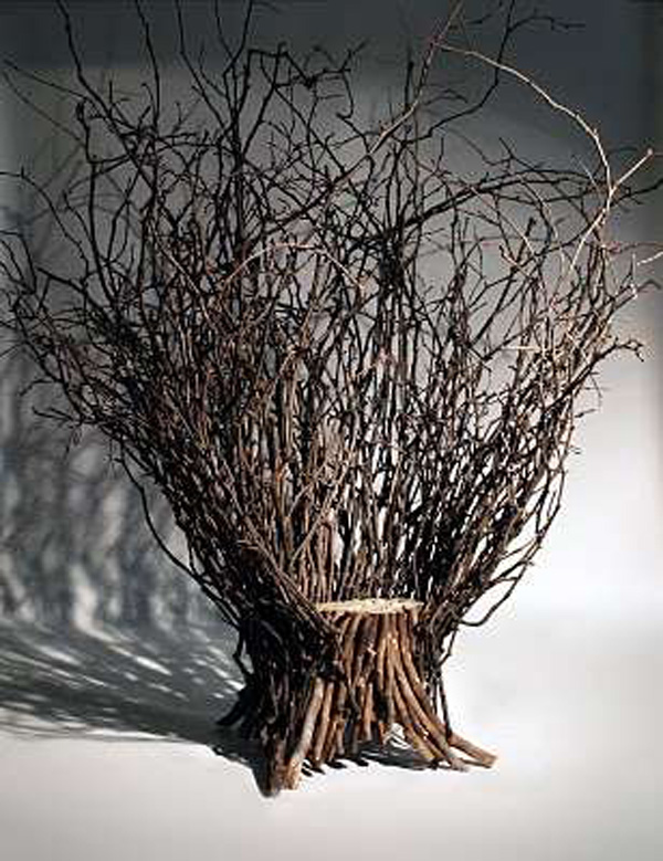 Fantastic Room Decoration Ideas With Neat Stool Using Back Tree Branch