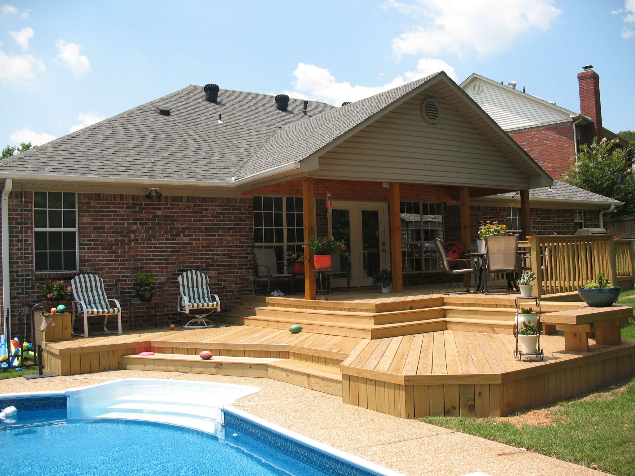 Nice backyard deck ideas to increase your house selling for Pool exterior design