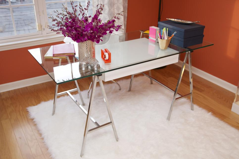 Horribe Computer Desk Design Ideas Using Metal Legs and Visible Glass Top